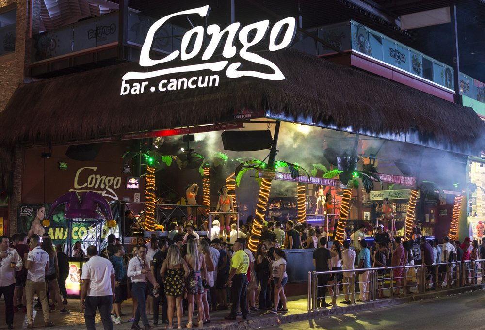 best bars in cancun