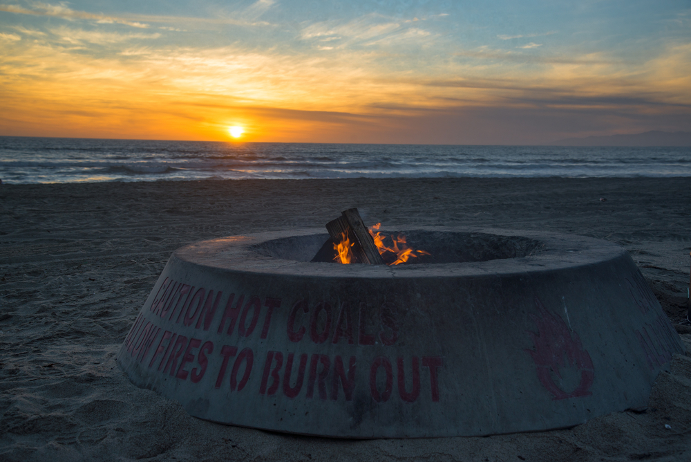 best Los Angeles beaches with fire pits