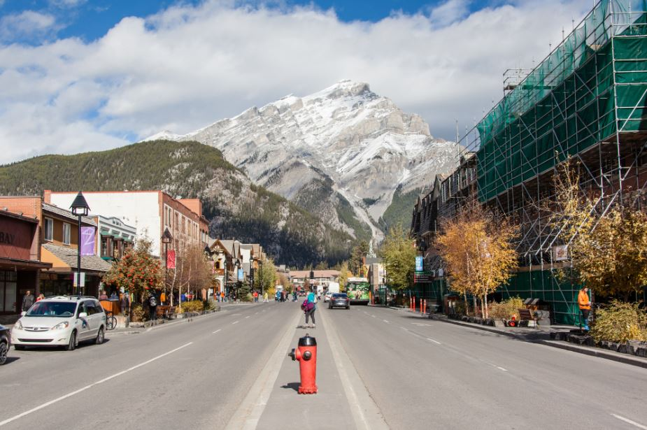 highlights of a train trip through the canadian rockies